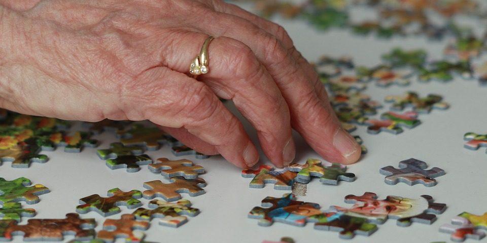 senior doing a puzzle